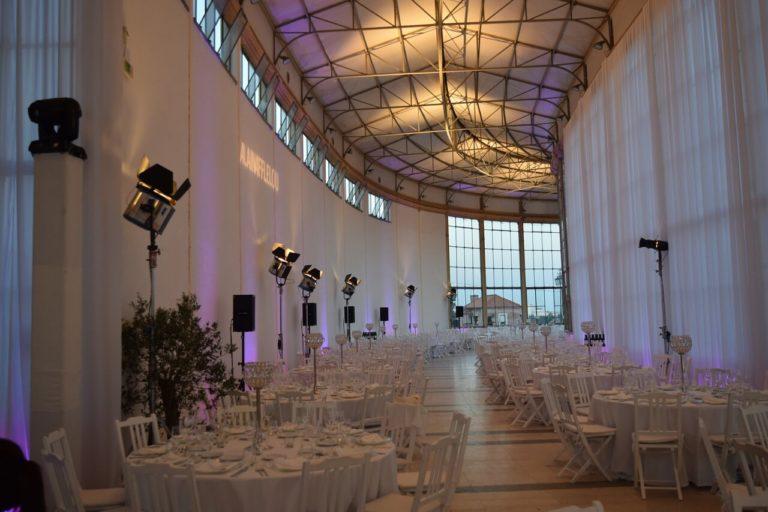מעצבת אירועים - אולם אירועים לבן