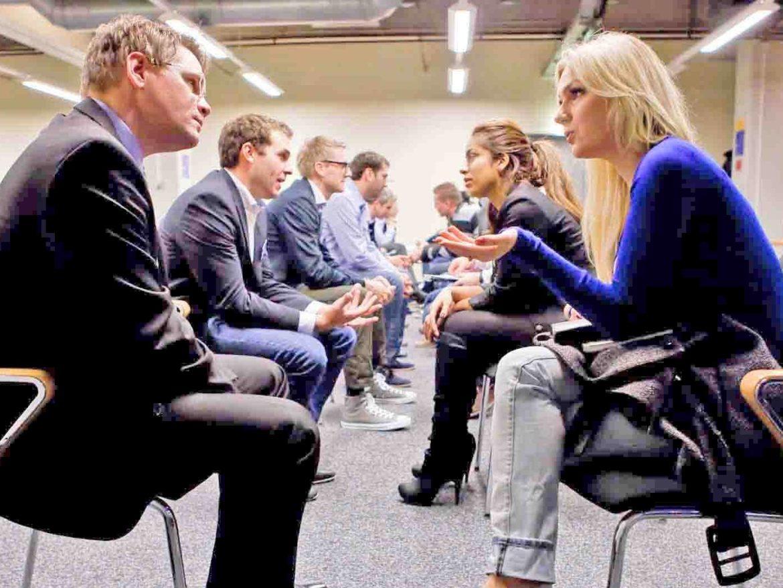 מפיק לאירועים עסקיים: אסטרטגיות לרישות מהיר, ספיד דייטינג לעסקים